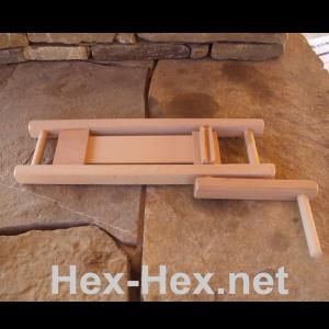 Zweiseitige Holzratsche mit Kurbel