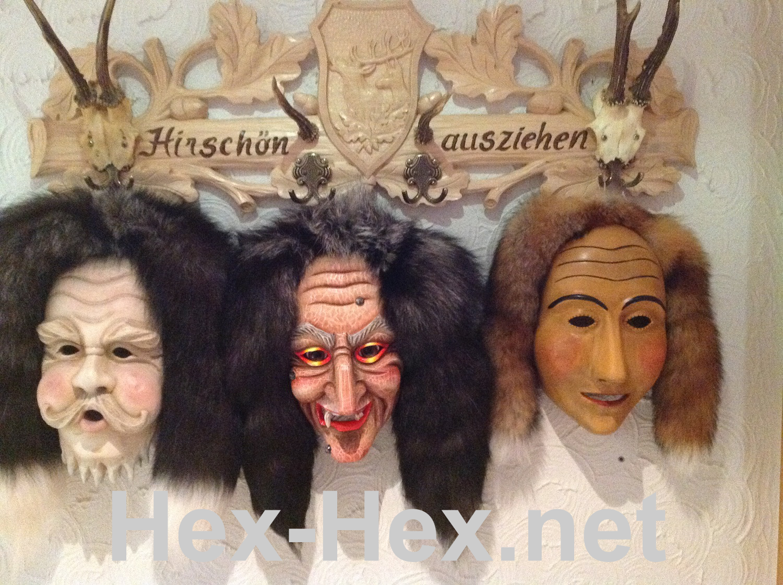 selbstgeschnitzte Maske